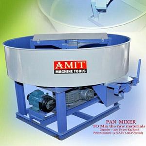 Pan Mixer To Mix The Raw Materials