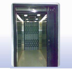 S.S. Stretcher Lift